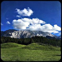 Good day to be outdoors.  #soultravels #outdoorgirl #adventuregirl #mindful #munichandthemountains