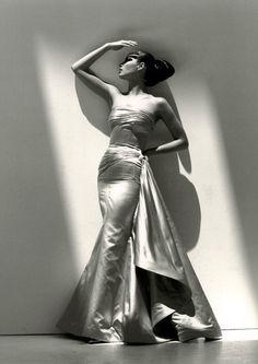 Christy Turlington for Valentino. Miami, 1995.