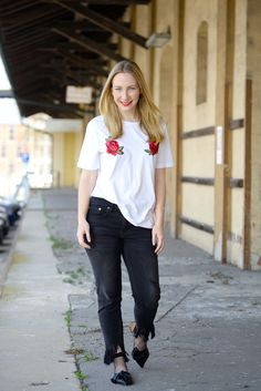 SheIn Roses Shirt and Self-Doubts - The Kontemporary