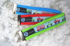 ...Autos...  http://de.dawanda.com/product/48838274-Schluesselband-Anhaenger---Bus-Polizei-Feuerwehr