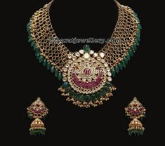 Antique Mesh Necklace by Vasundhara Fine Jewellery - September 14 2019 at Gold Jewellery Design, Gold Jewelry, Beaded Jewelry, Fine Jewelry, Diamond Jewelry, Jewellery Box, Handmade Jewellery, Jewellery Bracelets, Gold Necklace