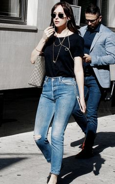 Dakota Johnson getting lunch at 'Hu Kitchen' Restaurant in NYC on October, 19 (x)