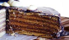 Medové pláty těsta, pudinková nádivka a na vrchu čokoládová poleva. Autor: Klárka