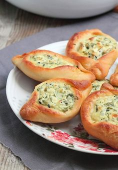 Délices d'Orient: Fatir aux fromages                            فطير...