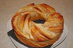 Hefezopf, ein raffiniertes Rezept aus der Kategorie Kuchen. Bewertungen: 287. Durchschnitt: Ø 4,6.