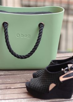 #Obag www.Obag.com.co Fashion Bags, Love Fashion, Everything Designer, Bagan, Oclock, Serendipity, Palermo, Wedges, Handbags