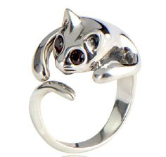 "Silver Cat ring!!  The cat lady in me is screaming ""OMG, I want this""!!"