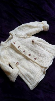 Knitting For Kids, Baby Knitting Patterns, Baby Patterns, Free Knitting, Knitting Projects, Crochet Baby, Knit Crochet, Cardigan Bebe, Baby Sweaters