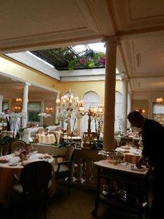 Lasserre restaurant