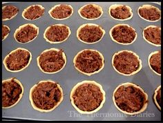 A great resource of finger foods - beef rendang pies, Portuguese custard tarts, mini quiches etc Simply Recipes, Custard Tart, Small Meals, Portuguese Recipes, Party Snacks, Afternoon Tea, Finger Foods, Appetizers, Thermomix