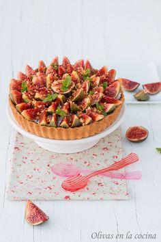 Tarta de higos con crema de fruta de la pasión y requesón