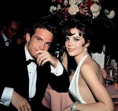 Splendor in the Grass Actors Warren Beatty and Natalie Wood in 1962 Hollywood Icons, Old Hollywood Glamour, Vintage Hollywood, Hollywood Stars, Hollywood Actresses, Classic Hollywood, Actors & Actresses, Natalie Wood, Warren Beatty
