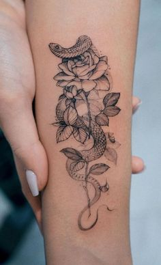 Feed Your Ink Addiction With 50 Of The Most Beautiful Rose Tattoo Designs For Men And Women - cool rose & snake tattoo © tattoo artist Dope Tattoos, Pretty Tattoos, Forearm Tattoos, Body Art Tattoos, Small Tattoos, Tattoos For Guys, Guy Tattoos, Cute Tattoos For Women, Gangsta Tattoos