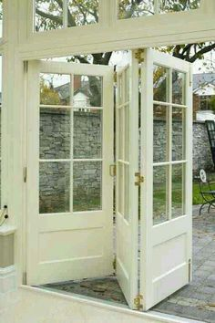 Triple bi-fold doors