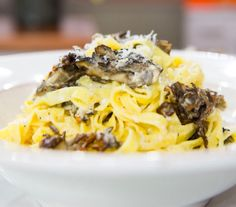 Mouthwatering Cacio e Pepe Pasta with Roasted Mushrooms (Cheese and Pepper with Pasta with Roasted Mushrooms - Recipe, Italian, Quick, Easy, Vegetarian