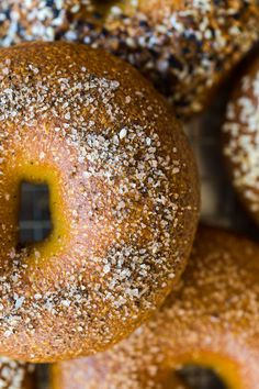 Salt & Pepper Best Basic Bagels recipe by Baking the Goods Bread Spread Recipe, Homemade Bagels, Yummy Drinks, Finger Foods, Cookie Recipes, Breakfast Recipes, Good Food, Salt, Finger Food
