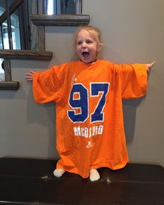 Let's go oilers! My Beauty, Letting Go, Let It Be, Sports, Tops, Fashion, Hs Sports, Moda, La Mode