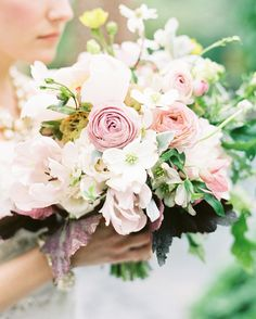 floral arrangement / flower bouquet / flower http://www.redgage.com/photos/chantalphotopix/kitty-cat-kitten-lounging-paws-crossed-flower-basket.html