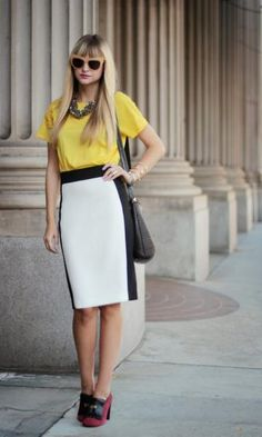 Yellow blouse, black and white graphic skirt Semi Formal Outfits, Pencil Skirt Outfits, Pencil Skirts, Work Skirts, Office Looks, Colorblock Dress, Office Fashion, Look Chic, Work Wear
