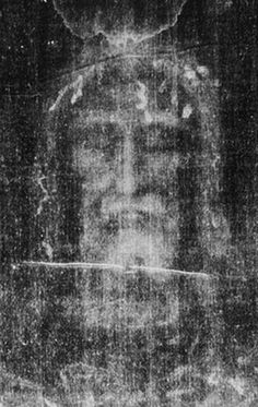The Holy Face of Our Lord Jesus Christ in the Shroud of Turin Catholic Pictures, Religious Photos, Pictures Of Jesus Christ, Religious Art, Turin Shroud, Catholic Wallpaper, Jesus Christ Painting, Jesus Drawings, Jesus Mary And Joseph