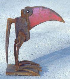 scrap metal sculpture, bird by Chris Kircher | Vogelskulptur aus Stahlschrott von Chris Kircher