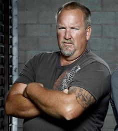 Popular A reality show Storage Wars is back in the spotlight this week, as Radar Online has published a report that three cast members of the storage bin-bidding program have been left out of extra episodes.