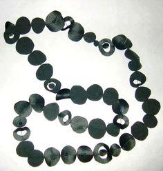 textile necklace by '3 petits pois' - collier noir tissu - été 2008