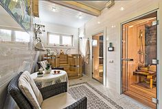 Деревянный дом со спа-зоной и крытой террасой | Дома из клееного бруса | Журнал «Деревянные дома»