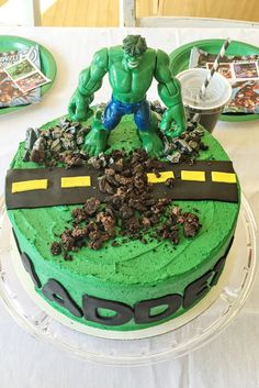 25 Ways to Make a Great Incredible Hulk Birthday Cake Marvel