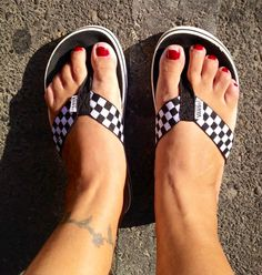Gotta love my Vans checkered sandals I've had these for years and rarely wear them - pinnermore Sprint Car Racing, Dirt Bike Racing, Kart Racing, Nascar Racing, Dresses For The Races, Vans Checkered, Tailgate Outfit, Joey Logano, Open Toe Sandals