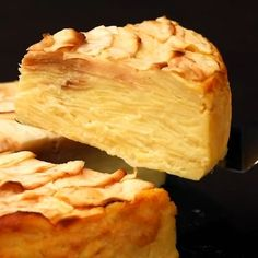 """This is """"Torta mille mele"""" by Al.ta Cucina on Vimeo, the home for high quality videos and the people who love them. Apple Recipes, Sweet Recipes, Cake Recipes, Tortas Low Carb, French Dessert Recipes, Tasty, Yummy Food, Lemon Desserts, Food Videos"""