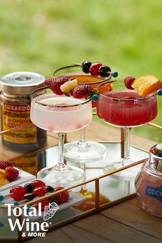 Don't forget the little extras – they make all the difference! Liquor Drinks, Cocktail Drinks, Cocktail Recipes, Cocktails, Beverages, Refreshing Drinks, Yummy Drinks, Delicious Desserts, Dessert Recipes