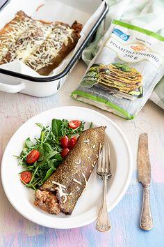 Milloin viimeksi olet paistanut räiskäleitä eli lettuja? Isoista letuista valmistat myös herkulliset täytetyt krepit, jotka voit täyttää mielesi mukaan jauhelihalla, kanalla, kasviksilla, kalalla kuin kasviproteiineillakin, oman mieltymyksesi mukaan. French Toast, Breakfast, Ethnic Recipes, Food, Morning Coffee, Essen, Meals, Yemek, Eten