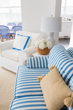 Easy and fun living room design and style ideas - Searching for living room decorations ideas? Our fun and easy design ideas may just inspire you to re-decorate your own living room. Check the webpage to find out Coastal Bedrooms, Coastal Living Rooms, Coastal Cottage, Living Room Images, Living Room Designs, Living Spaces, Living Room Decor Inspiration, Outdoor Pillow Covers, Fashion Room