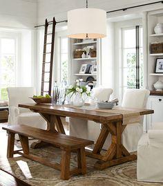 salle à manger avec du bois
