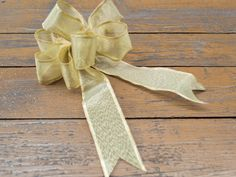 For most people, bows are synonymous with ribbons. Bows made from ribbon can be made in several ways, depending on what use you intend putting them to. Ribbon bows can be used for such things as hair accessories, gift wrapping,...
