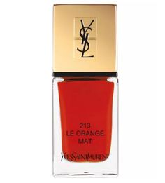 Nägel La Laque Couture The Mats. Gönnen Sie sich Haute Couture bis in die Fingerspitzen. Tragen Sie Farbe mit Stolz. Nagellack von Yves Saint Laurent