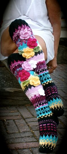 Irish lace, crochet, crochet patterns, clothing and decorations for the house, crocheted. Crochet Leg Warmers, Chunky Crochet, Crochet Slippers, Irish Crochet, Arm Warmers, Knit Crochet, Knitting Socks, Hand Knitting, Beading Patterns
