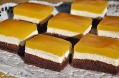 Prajitura cu branza dulce si Fanta este o prajitura savuroasa, pe placul tuturor!!! :) Ingrediente: Blat: - 6 oua - 100 ml unt topit sau ulei - 1 pliculet praf de copt (10 g.) - 6 linguri zahar - 2...