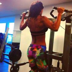 Back #pullups #excersize #perfect #WarmUp #gymwear @labellamafiabrasil #labellamafia #HardCoreLadies @alicematoss #OneWeekToTheBigClash in #tampa at the #timgardner #extravaganza #npc #ifbb #bikini #traininsaneorremainthesame #miami #southbeac
