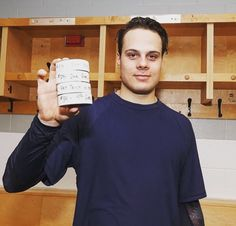 Now That's a Photo Op Auston Matthews' 4 goals in the NHL. Matthews is the first player in NHL history to score four goals in his debut. Just three players in the modern era had previously managed a hat trick in theirs. Hockey Girlfriend, Maple Leafs Hockey, Matthew 4, Nhl Games, Skater Boys, National Hockey League, Toronto Maple Leafs, Hockey Players, Chef Jackets