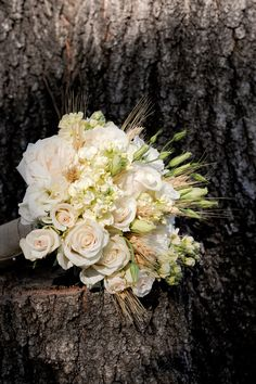 Southern weddings - bouquet with wheat