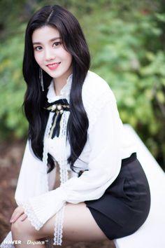 Photo album containing 7 pictures of Eunbi Yuri, Korean Girl, Asian Girl, Brave Girl, Japanese Girl Group, Woollim Entertainment, Soyeon, Pop Group, Mini Albums