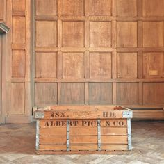 1000 images about vintage crates storage on pinterest for Uses for old wooden crates