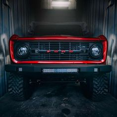 Early Ford Broncos is the industry leaders in Ford Bronco restorations. Pickup Auto, Ford Pickup Trucks, Jeep Truck, Chevy Trucks, Ford 4x4, 4x4 Trucks, Lifted Trucks, Diesel Trucks, Old Ford Bronco