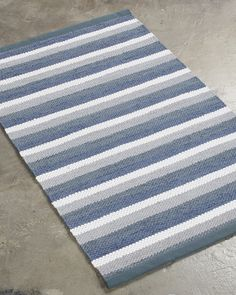 A traditional striped design. It brings back memories from the years gone by. Rag Rugs, Stripes Design, Handmade Rugs, Scandinavian Style, Pattern Design, Weaving, Outdoor Blanket, Memories, Traditional