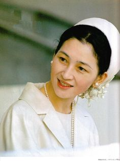 Empress Michiko of Japan wears Akoya pearls Nagoya, Osaka, Japanese Beauty, Japanese Girl, Yokohama, Family World, The Empress, Sapporo, Royal Jewelry