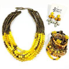 Nada melhor do que um toque de cor vibrante no look.  Quer conhecer a coleção completa? Solicite pelo whatsapp (31)99246-0071  #kitamarelo #colares #pulseiras #brincos #modamineira #bijuteriasfinas #moda #acessoriosdeluxo #bijoux