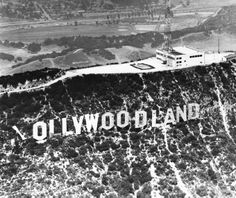 hollywood golden age Looking at photos of the Hollywood Sign in its early years is a little like seeing the Statue of Liberty with a third arm, or the Golden Gate Bridge with a sec Hollywood Sign, Golden Age Of Hollywood, Vintage Hollywood, Classic Hollywood, California History, Vintage California, Hollywood California, Southern California, Before Us