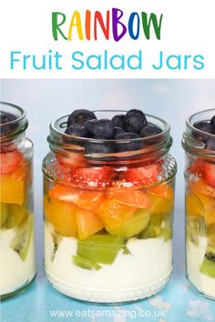 Gorgeous rainbow fruit salad jars recipe - fun and healthy rainbow food for kids Salad In A Jar, Fruit Salad, Fruit Fruit, Juice Menu, Cooking With Toddlers, Salads For Kids, Cantaloupe And Melon, Rainbow Fruit, Dessert In A Jar